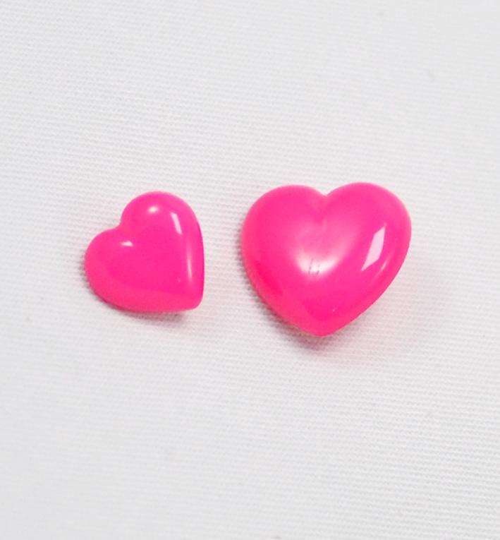πλαστικό παιδικό κουμπί καρδιά φούξια
