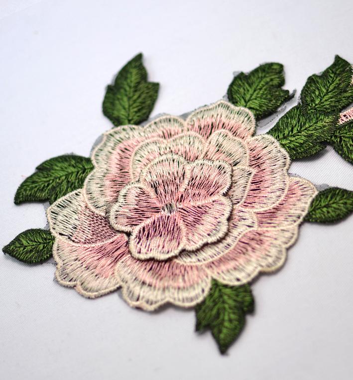 μοτιφ λουλουδι κεντητο