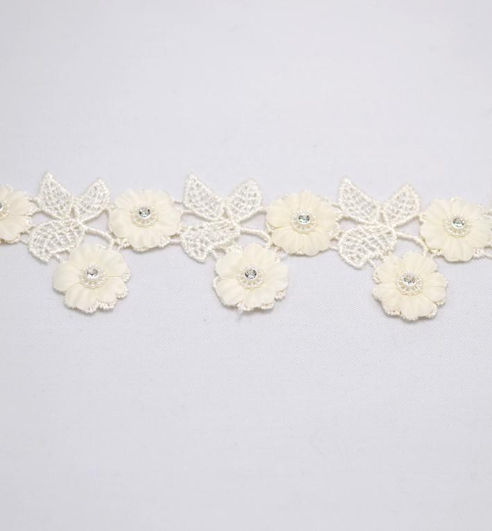 τρέσα λουλούδια άσπρα