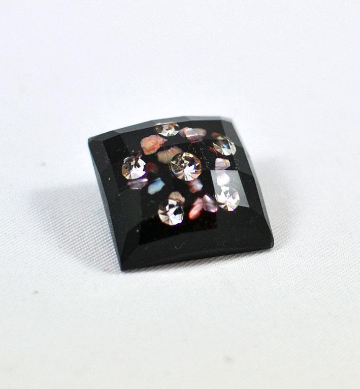 Τετράγωνο κουμπί με στρας